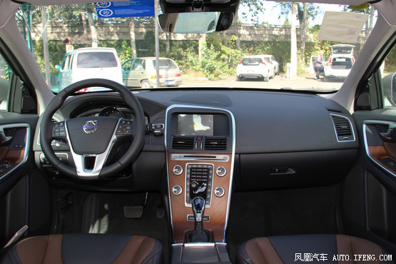 2016款 沃尔沃XC60 2.5T T6 AWD 智越版