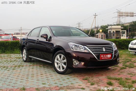 丰田皇冠优惠3.1万元