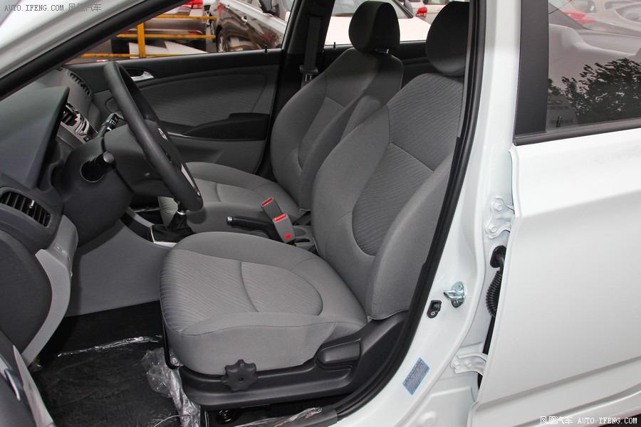 现代瑞纳新款 家用极度舒适轿车新行情高清图片
