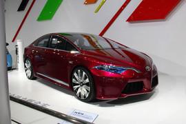 丰田NS4插电式混合动力概念车
