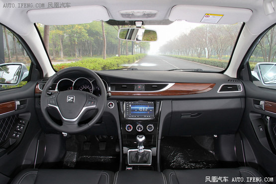 2015款 众泰Z500 1.5T 手动豪华型