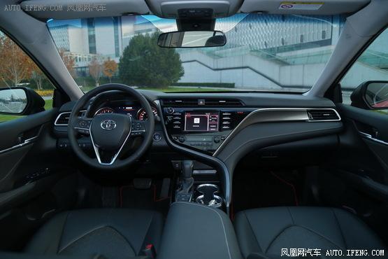 2018款 丰田凯美瑞 运动版 2.5L 自动旗舰型