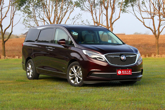 济宁别克GL8最高优惠1万元  现车在售