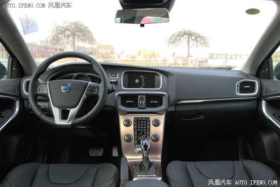 2015款 沃尔沃V40 Cross Country 2.0T T5 AWD智雅版