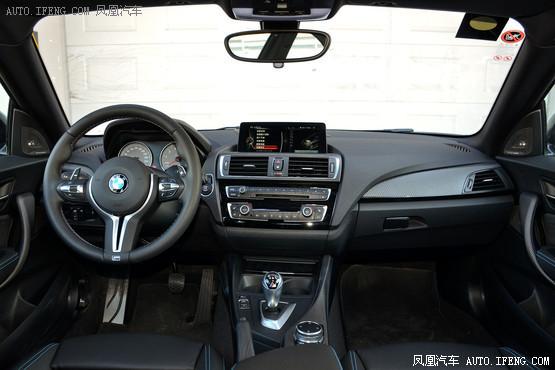 2016款 宝马M2 3.0T 双门轿跑车